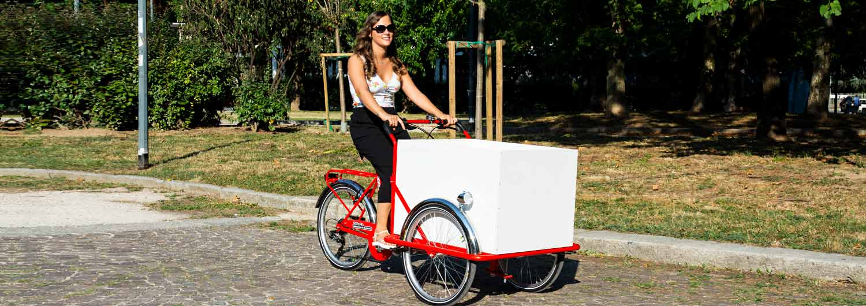 Cargo Bike TrikeGo Parco Conca del Naviglio Milano - rosso cassone bianco