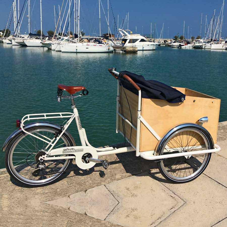 Cargo Bike TrikeGo Noleggio Al Mare Bianco Capottina Blu