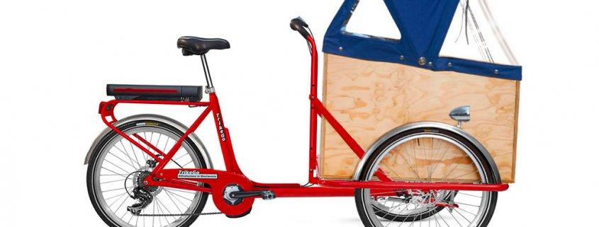 Caargo Bike Trike a Noleggio a Torino rossa con motore box e capote